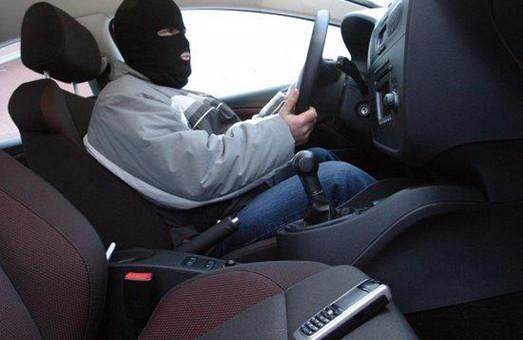 У Харкові викрадати машини стали частіше