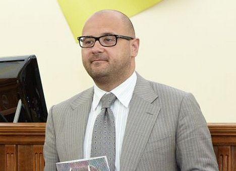 Святаш перемагає на виборах в 170-му окрузі на Салтівці (Опитування)