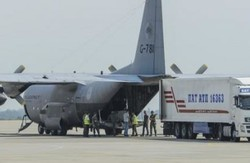 """У Нідерланди відправили 5 контейнерів з останками пасажирів """"Боїнга-777"""", ще 9 тіл не ідентифіковані"""