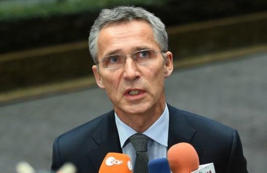 НАТО закликає Москву відвести війська від України