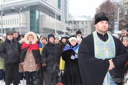 На площі Свободи молилися за Україну (фото)