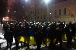 У Харкові на знак річниці майдану пройшлися вулицею Сумською (відео)