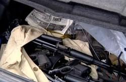 Як машина, нашпигована зброєю, пройшла харківські блокпости (відео)