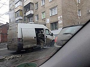У центрі Дніпропетровська подружня пара допомогла затримати п'яного чоловіка з автоматом (фото)