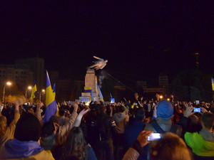 Справа про демонтаж монумента вождю: суд запросив у ОДА додаткові документи
