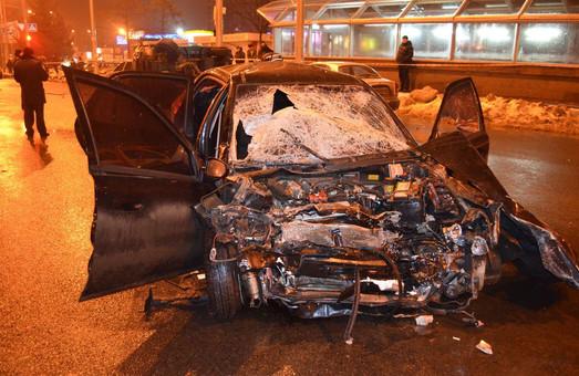 Сім авто потрапили в аварію: підозрюваного заарештували