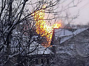 У Луганській області при пожежі газопроводу полум'я досягло 30 метрової висоти