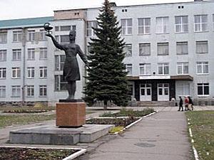 """У захопленому ЛДМУ пройшли """"вибори"""" ректора"""