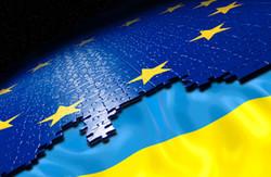 У чому полягає важливість політичної та економічної частини Угоди про Асоціацію між Україною та ЄС?