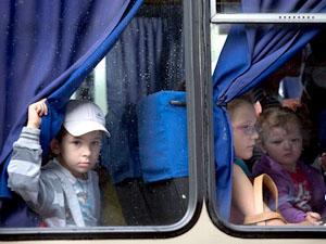 Бойовики не дають волонтерам евакуювати людей похилого віку і дітей з Луганська