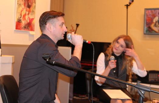 В галереї «Мистецтво Слобожанщини» пройшло відкрите інтерв'ю з Жаданом (фото)