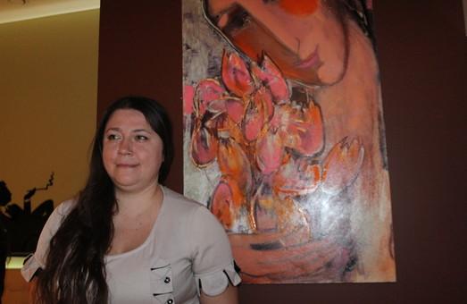 В харківській кав'ярні стартувала виставка «Весняний променад» (фото)