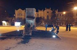 У Харкові за ніч знесли три пам'ятники (відео)