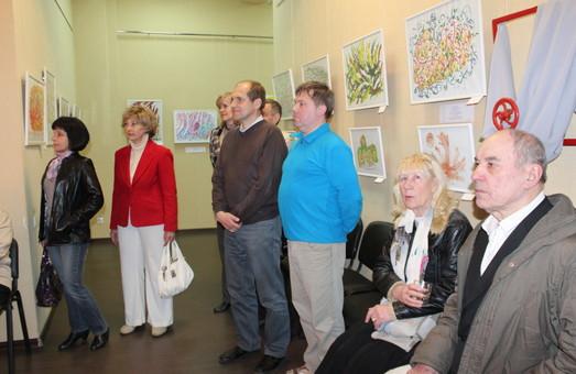 В «Королівстві кольору»: в Харкові стартувала виставка Шрі Чинмоя (фото)