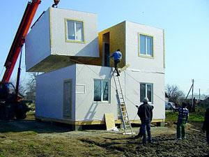 Дніпропетровське містечко модульних будиночків активно заселяється біженцями