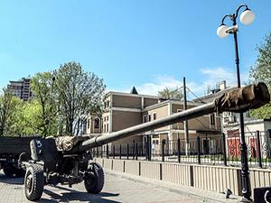 Донецькі бойовики влаштують військовий парад з забороненою технікою (фото, відео)