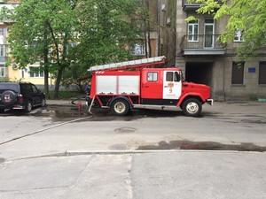 """У Харкові горить будівля ресторану """"Старгород"""" (фото)"""