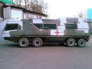 Дніпропетровські волонтери створили санітарний автомобіль - амфібію (фото, відео)