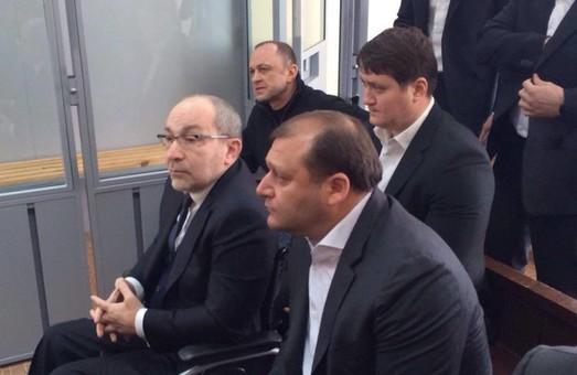 У Полтаві почали судити харківського мера. Перед судом колотнечі активістів з міліцією