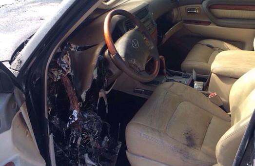 Як спалили «Lexus LX 470» на Шишківці