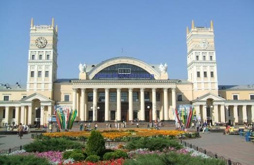 На центр волонтерів у Харкові намагалися напасти