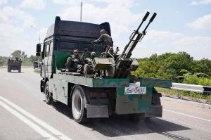 Бойовики «ДНР» продовжують використати тактику «живого щита» (відео)