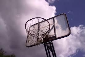 Подія в Харкові: школяра ледь не роздавило баскетбольним устаткуванням