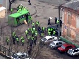 У Харкові судять власників маршруток, які підвозили «тітушок» для розгону пікету біля академії МВС