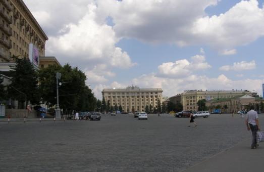 Площа Свободи перекрита через мітинг таксистів