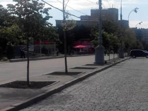 Площу Свободи в Харкові знову перекрили через підозрілий предмет