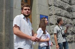 Біля Міськради заговорили про прогульників (фото)