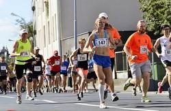 Дві харківські бігунки виграли змагання в Польщі і в Україні