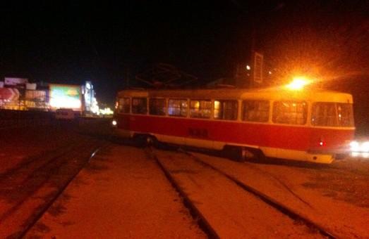 трамваї щодня зістрибують з рейок