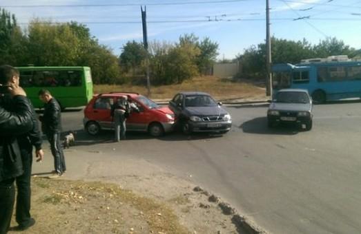 дтп на вулиці гвардійців широнінців за участю двох легковушок