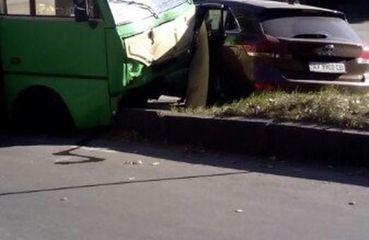 """аварія біля """"зеленого гаю"""" у Харкові"""