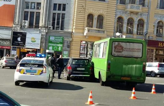 на радянській сталося дтп за участю автобуса