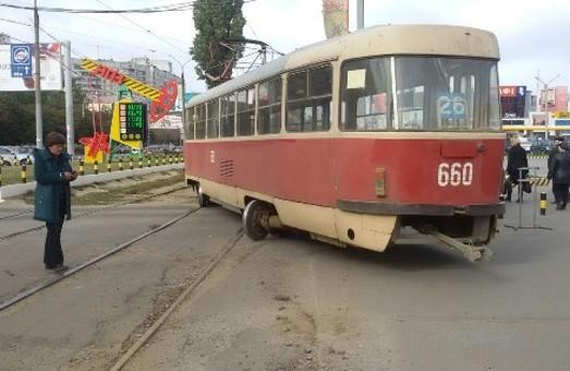 Що ні день, то «дрифт». У Харкові відбулася чергова аварія за участю електротранспорту (фото)