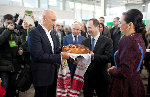 У Першій столиці стартувала величезна виставка сільського господарства «AGROPORT-2015»