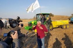 Під час змагання на тракторах кандидат у мери Харкова Юрій Сапронов виграв гонку (відео, фото)