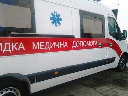 Між Новгородською та Космічною електротранспорт збив хлопця (відео)