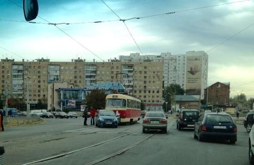 аварія біля цирку за участю трамвая