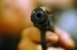 Під час тривалої ночі виборів на Дніпропетровщині тітушки почали стрільбу по людях (відео)