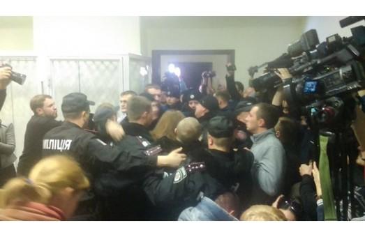 Справа Корбана: чим закінчилося засідання Печерського суду (фото, відео)