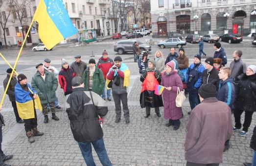 Майданівці знову зібралися на недільне віче: цього разу обговорили локальні проблеми (фото)