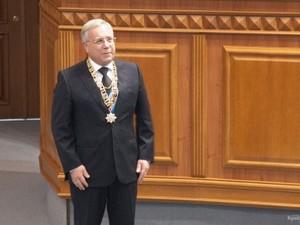 Юрій Вілкул через можливий самосуд ретирувався з будівлі мерії Кривого Рогу (фото)