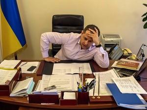 Мер Дніпропетровська призначив «Титанового Джексона» радником і проводить кадрові чистки