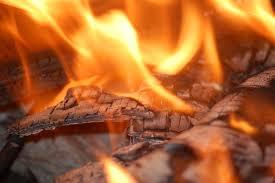 У Харкові під час пожежі ледь не загинула пенсіонерка та її родичі