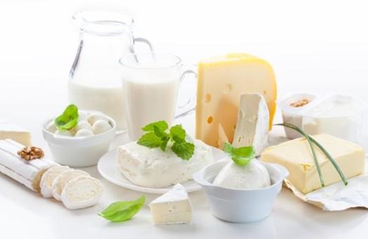 Українці у 2016 році менше будуть їсти сиру та молочки