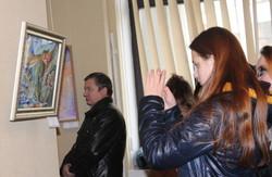 «Різдвяний подарунок Слобожанщині»: викладачі художніх шкіл презентували свої роботи