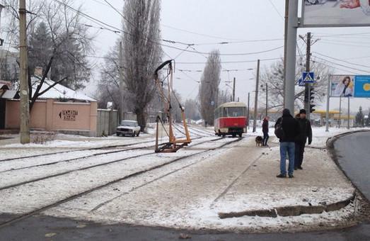 На Клочківській трамвай став «безрогим»